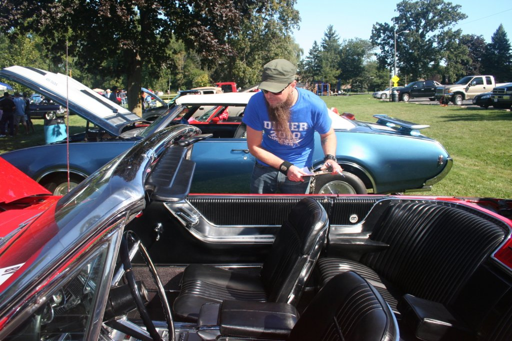 Car shows turn enthusiasts into friends and friends into customers.