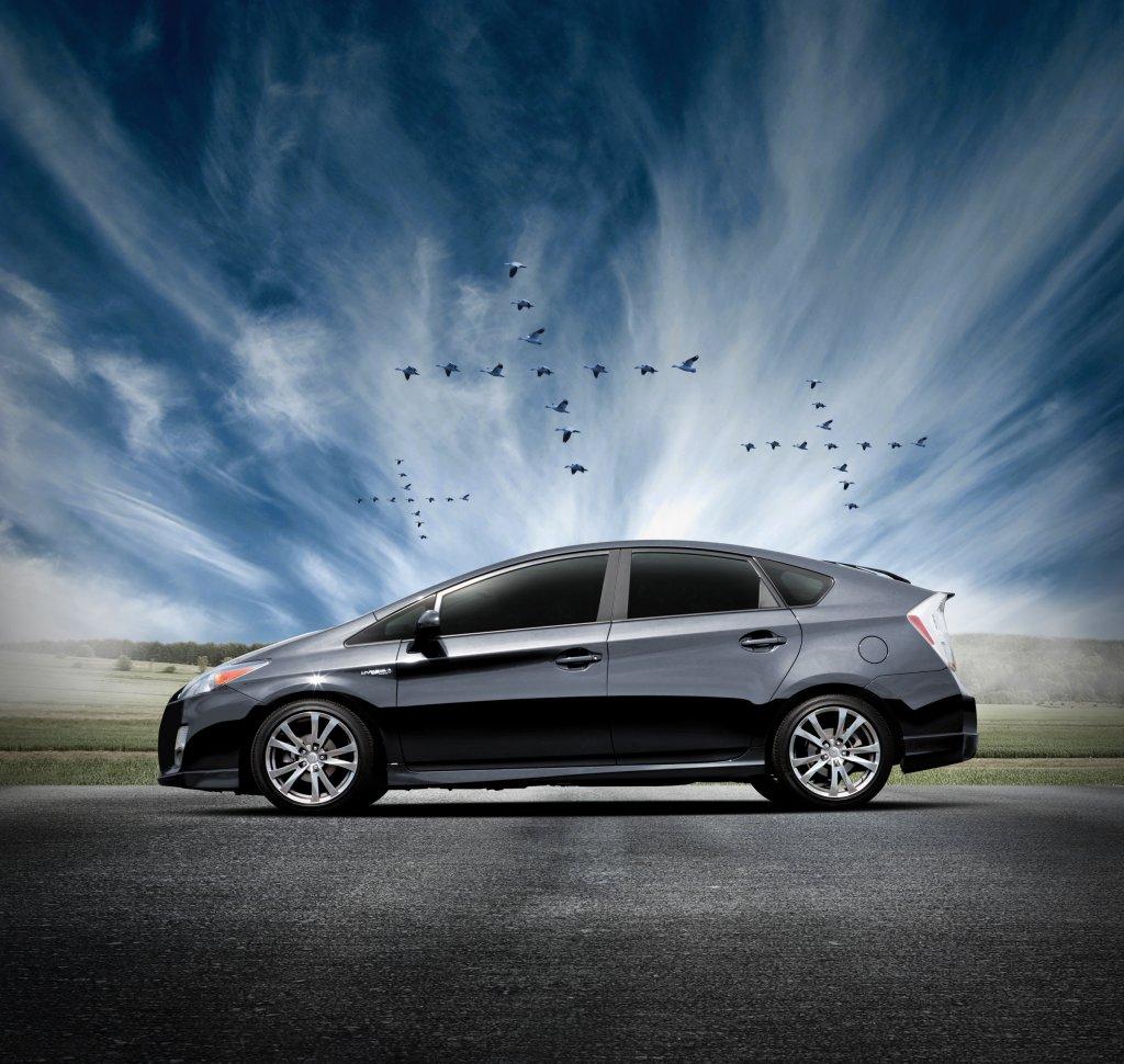 Toyota_Prius_Plus_003