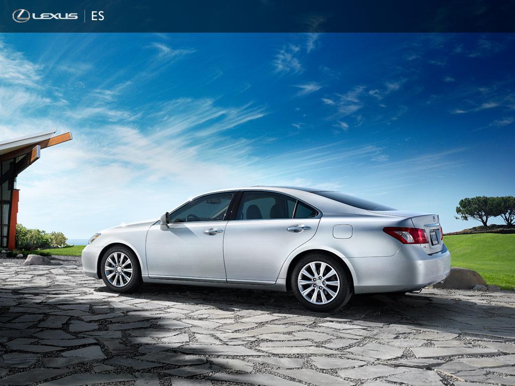 2011 Lexus_ES,_Luxury_Sedan_1