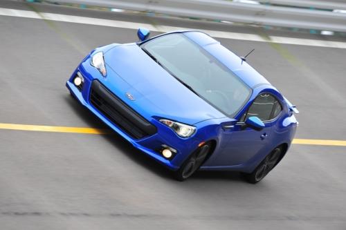 Rear-wheel drive sports car makes debut in Detroit.
