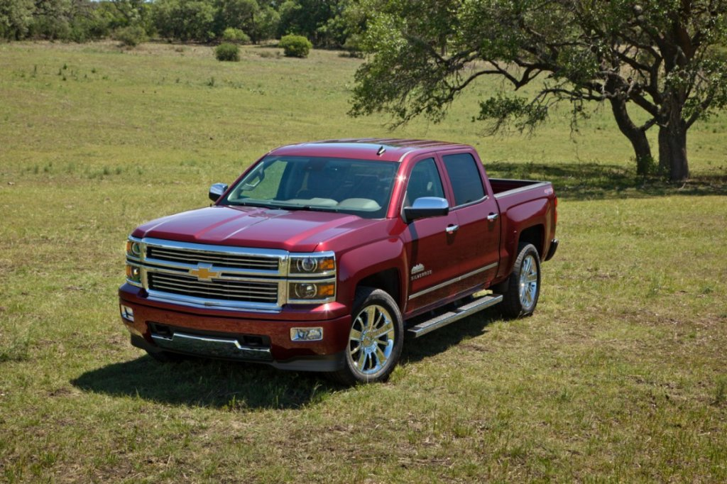 2014-Chevrolet-SilveradoHighCtry-051-medium