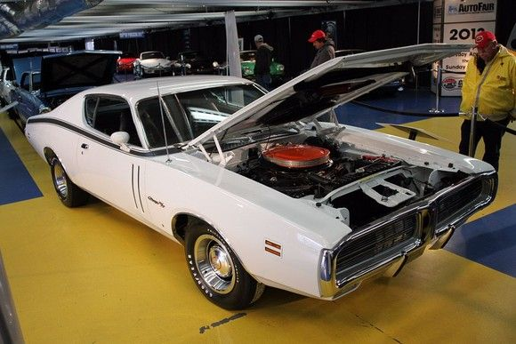 '71 Charger features the last 426 Hemi engine.
