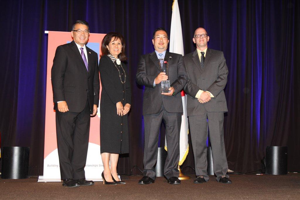 Nitto Tire and Tomo Mizutani Honored by Japan America Society of Southern California - Terry Shima, Keiko Brockel, Tomo Mizutani, Douglas Montgomery