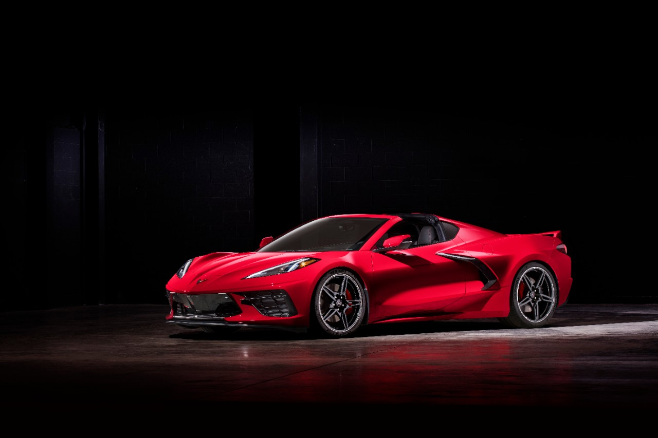 2020-chevrolet-corvette-stingray-045