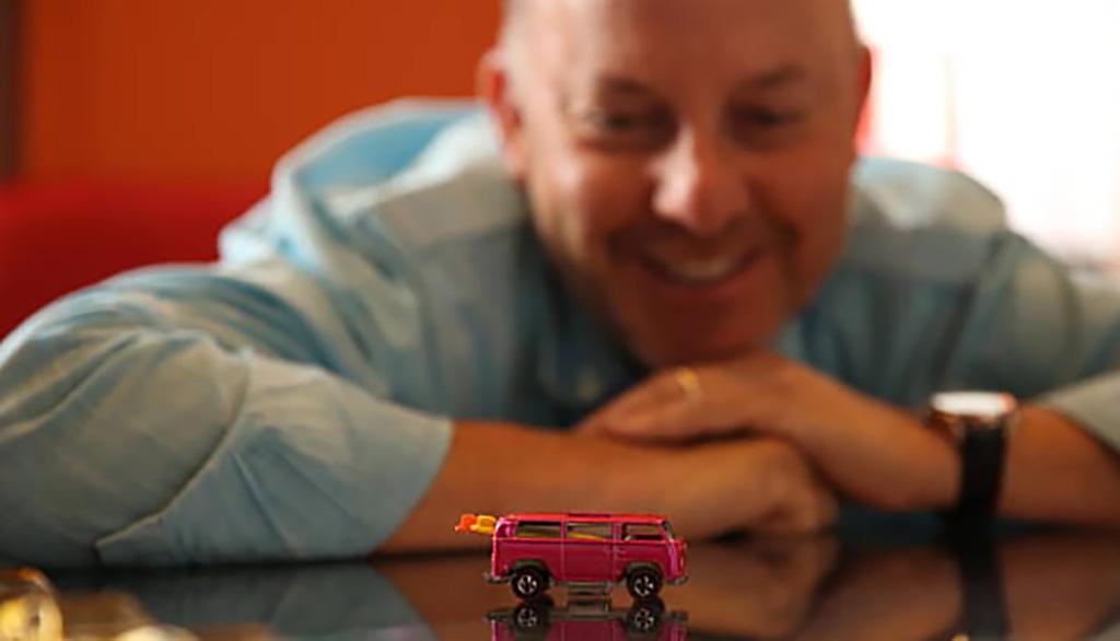 hot wheel toy beach bomb van volkswagen